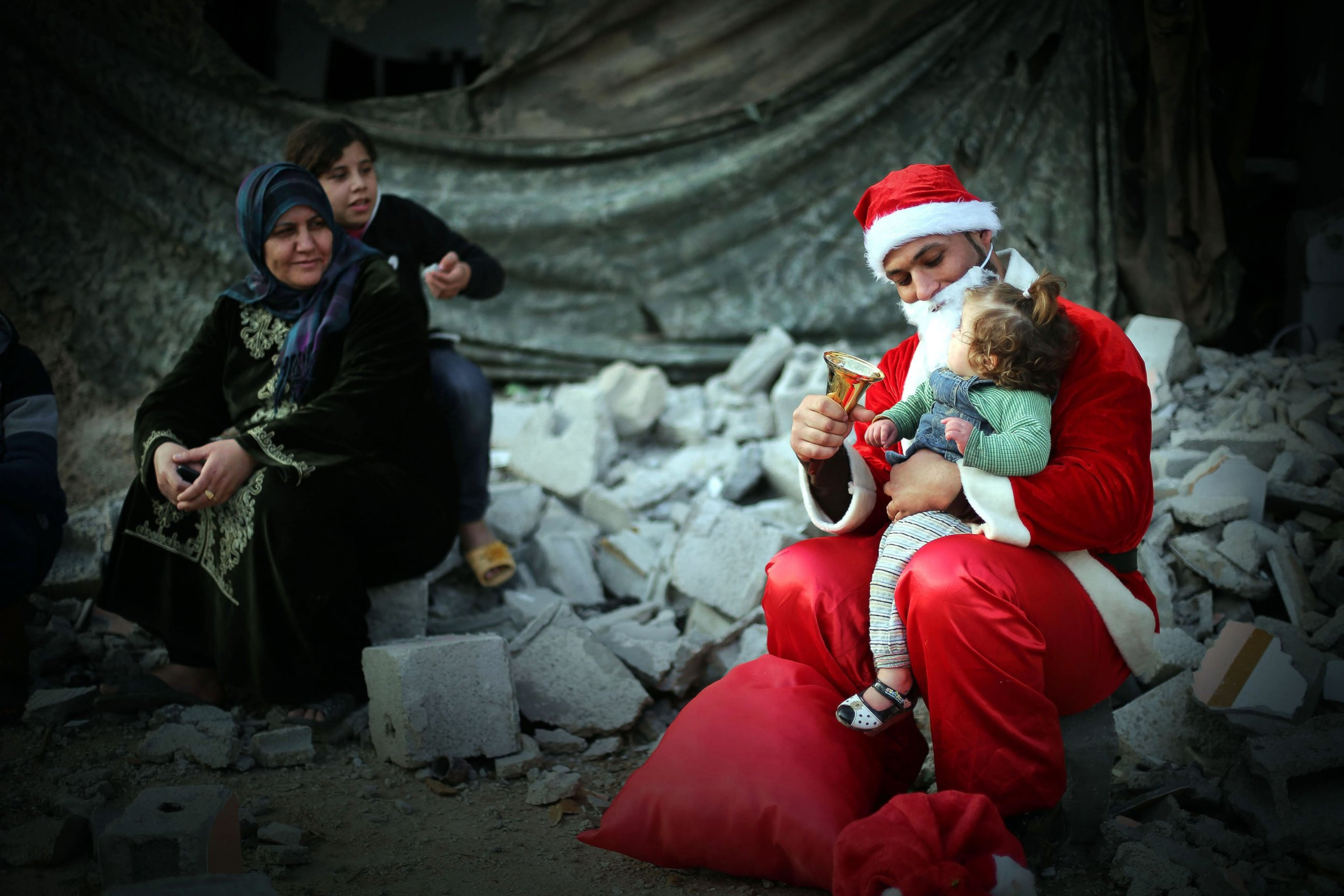 GTY_christmas_gaza_city_jt_141224_mn