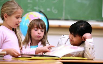 Bambini stranieri nelle classi: possono imparare l'italiano in automatico?